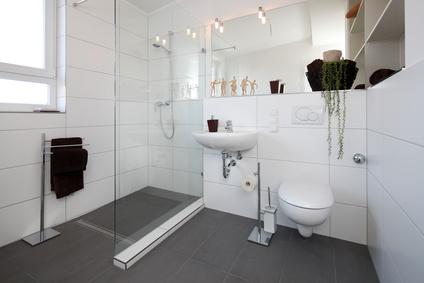 so entsteht ein barrierefreies und altersgerechtes badezimmer. Black Bedroom Furniture Sets. Home Design Ideas