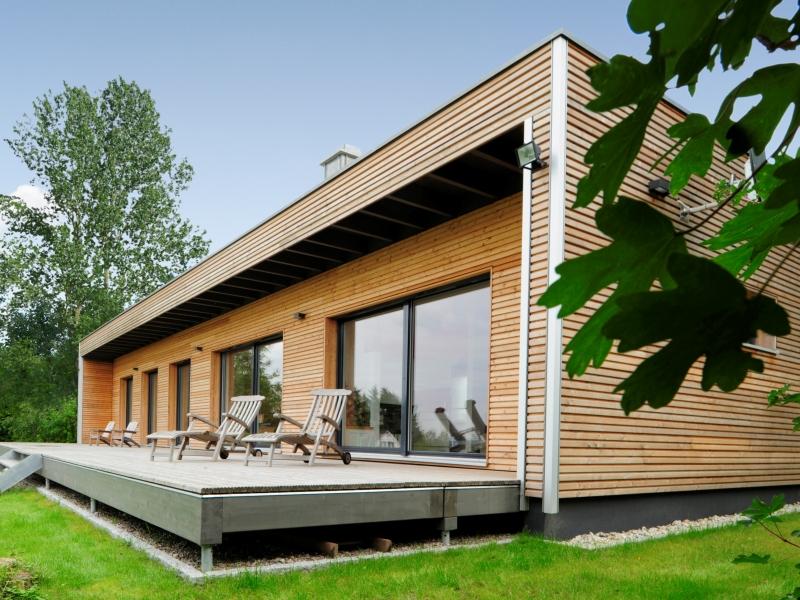 fertighaus mediterran von baufritz bungalow modern. Black Bedroom Furniture Sets. Home Design Ideas