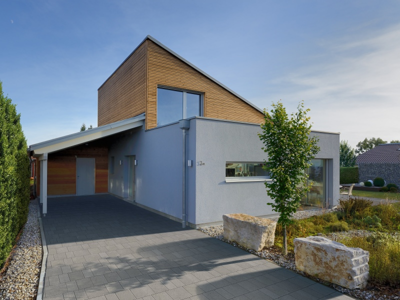 Modernes fertighaus von baufritz haus ederer for Moderne bungalow hauser