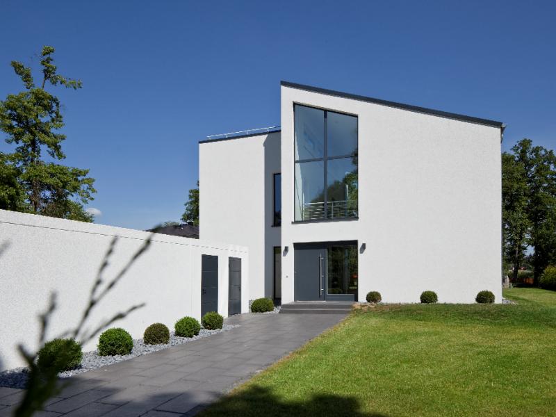 Moderne häuser mit versetztem pultdach  Massivhaus über 300.000 € von BAUMEISTER-HAUS - Haus Jonas