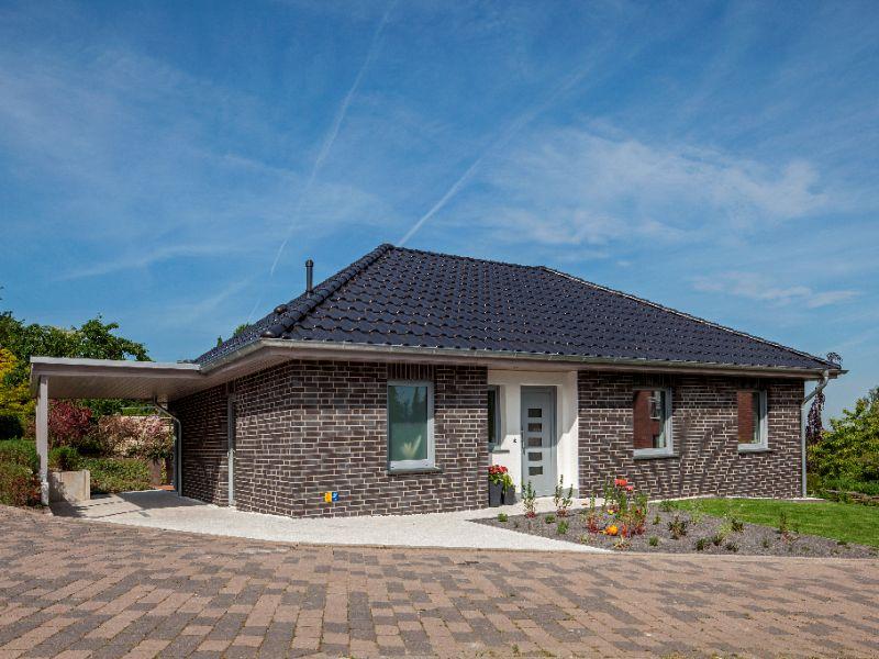 Mediterranes Massivhaus von BAUMEISTER-HAUS - Haus Riedel
