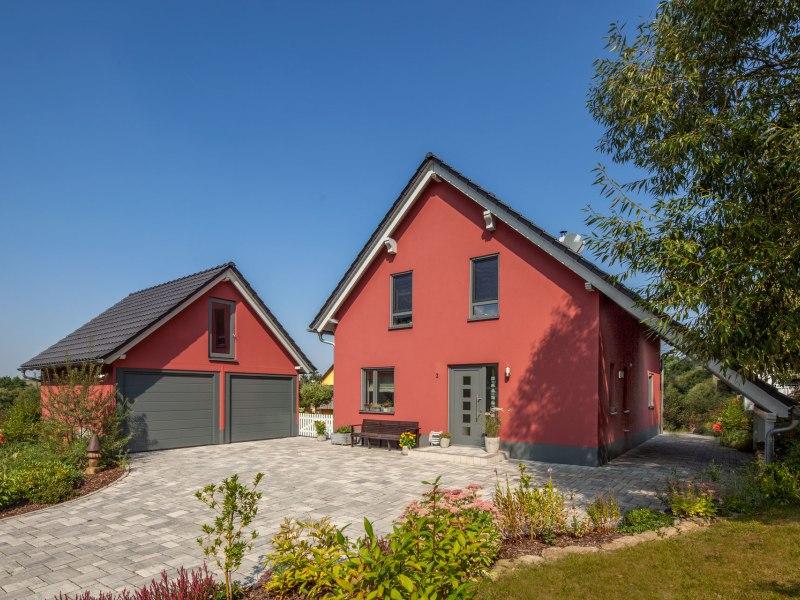 Mediterranes Landhaus von BAUMEISTER-HAUS - Haus Urban