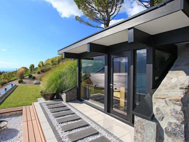 fertighaus von davinci haus holzfachfachwerkhaus am genfer see. Black Bedroom Furniture Sets. Home Design Ideas