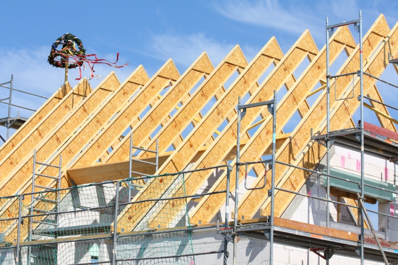 Dachkonstruktionen im hausbau das satteldach for Hausbau bilder