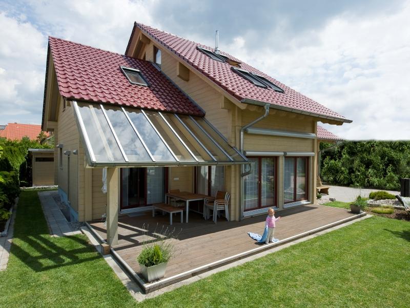 Fullwood haus kraichgauer modernes familienidyll aus fichte for Modernes haus mit rotem dach