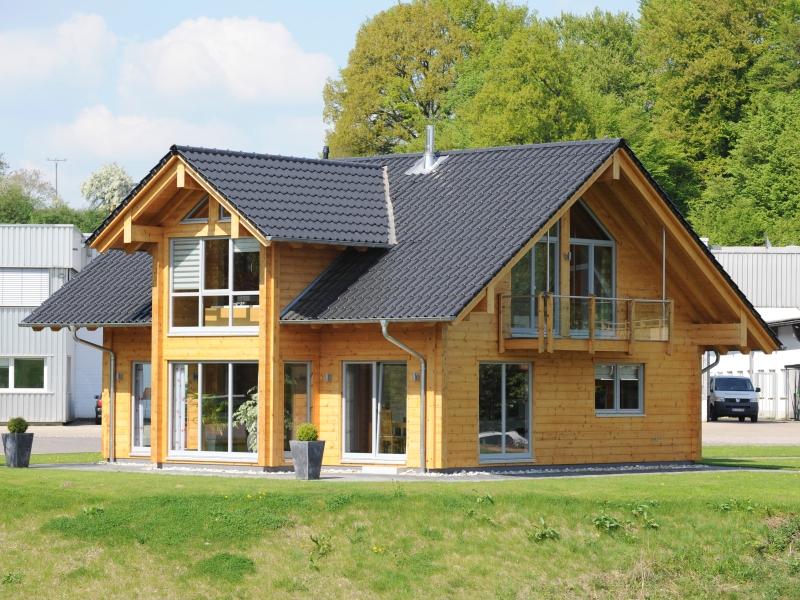 fullwood sommerwiese blockhaus mit offenheit und transparenz. Black Bedroom Furniture Sets. Home Design Ideas