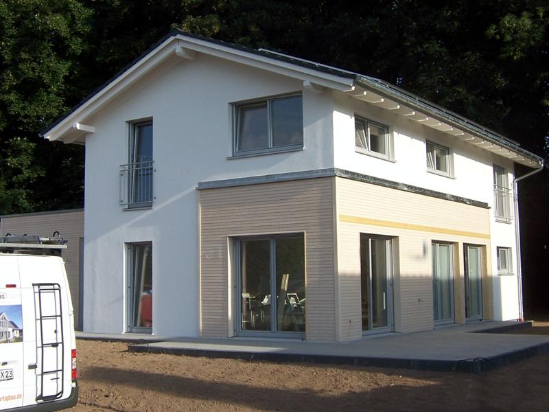 Haas fertigbau familie  Haas Fertigbau eröffnet Musterhaus in Bad Vilbel