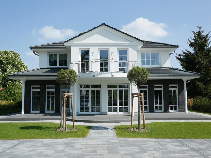 2 platz premium h user heinz von heiden villa falkensee for Einfamilienhaus falkensee