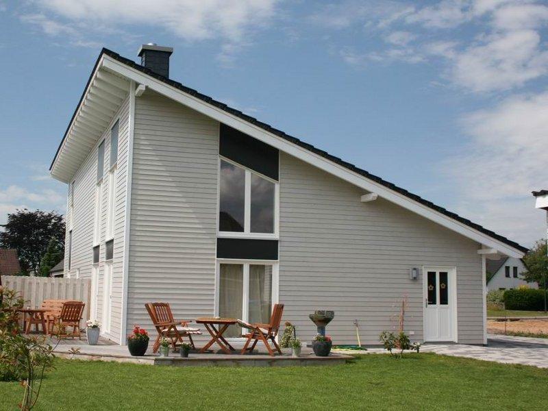 holzhaus von fjorborg schwedenhaus haus l kken. Black Bedroom Furniture Sets. Home Design Ideas