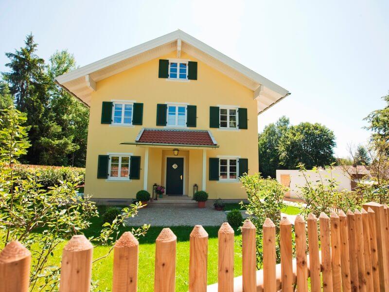 Landhaus von ISARTALER HOLZHAUS - Haus Starnberger See