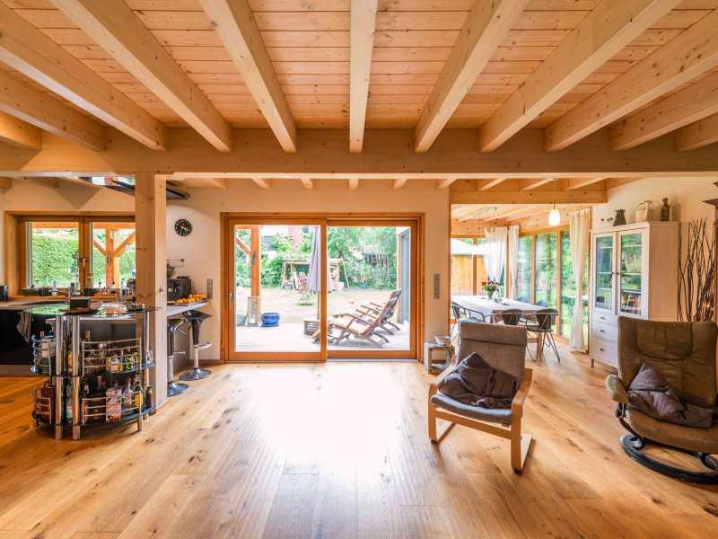 massives fullwood holzhaus frankfurt. Black Bedroom Furniture Sets. Home Design Ideas